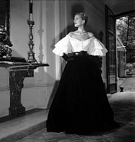 0155375 © Granger - Historical Picture ArchiveMODE JACQUES FATH.   Presentation of fashion by Jacques Fath in 1951 : evening dress. Full credit: AGIP - Rue des Archives / Granger, NYC -- All rights reserved.