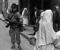 0156469 © Granger - Historical Picture ArchiveOPERATION CASBAH.   French soldiers in Algiers during military operation during war in Algeria on may 4, 1957 (to find terrorists). Full credit: AGIP - Rue des Archives / Granger, NYC -- All Rights Reserved.