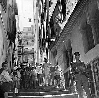 0156470 © Granger - Historical Picture ArchiveOPERATION CASBAH.   French soldiers in Algiers during military operation during war in Algeria may 1957 (to find terrorists). Full credit: AGIP - Rue des Archives / Granger, NYC -- All Rights Reserved.