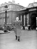 0157054 © Granger - Historical Picture ArchivePAUL REYNAUD.   Paul Reynaud march 03, 1952 leaving Elysee Palace after refusing to form a ministry, during ministerial crisis in France. Full credit: AGIP - Rue des Archives / Granger, NYC -- All Rights Reserved.