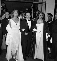 0159368 © Granger - Historical Picture ArchiveROBERT FAVRE THE BRET AND NICOLE MAUREY.   Cannes film festival : Robert Favre le Bret and Nicole Maurey, May 2, 1959. Full credit: AGIP - Rue des Archives / Granger, NYC -- All ri.