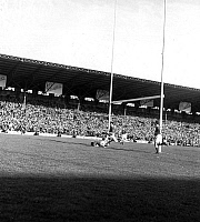 0161531 © Granger - Historical Picture ArchiveTOURNOI OF CINQ NATIONS 1955.   The final of Rugby, of the Five Nations tournament between France and Wales, winner 16 to 11, in the stadium of Colombes, on March 26th, 1955. Full credit: AGIP - Rue des Archives / Granger, NYC -- All rights