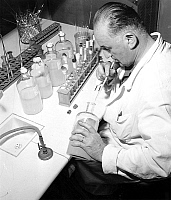 0161742 © Granger - Historical Picture ArchiveVACCIN ANTI GRIPPE ASIATIQUE.   preparation of the vaccine againt asian flu at The Pasteur Institute in Paris september 13, 1957. Full credit: AGIP - Rue des Archives / Granger, NYC -- All Rights Reserved.