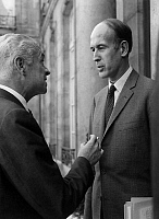 0161830 © Granger - Historical Picture ArchiveVALERY GISCARD D'ESTAING AND ROGER FREY.   Valery Giscard d'Estaing (r, french prime minister) discuss with Roger Frey (state minister) after a meeting with GeogesPompidou at the Elysee Palace in Paris, september 10, 1969. Full credit: AGIP - Rue des Archives / Granger, NYC -- All rights reserved.