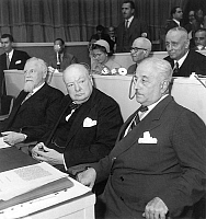 0162264 © Granger - Historical Picture ArchiveWINSTON CHURCHILL.   Frans van Cauwelaert, Winston Churchill and Mario Cingolani at European Council in Strasbourg France august 1949. Full credit: AGIP - Rue des Archives / Granger, NYC -- All Rights Reserved.