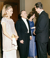 0162345 © Granger - Historical Picture ArchiveYEHUDI MENUHIN FELICITE PAR ALBERT AND PAOLA.   violinist Yehudi Menuhin congratulated by Albert prince of Liege (future king Albert II of Belgium) and his wife princess Paola (born Dona Paola Ruffo di Calabria, future queen of Belgium), after concert given to the benefit of the QueenElizabeth musical foundation at the Fine Arts palace in Brussels july 21,