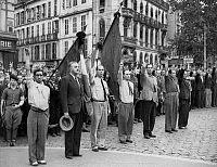 0268467 © Granger - Historical Picture ArchiveLIBERATION: TOULOUSE, 1944.   A group of railway workers, part of the French resistance group 'Matabiau,' displaying the 'V for victory' sign after the liberation of Toulouse, France. Photograph, August 1944. Full credit: Jean Dieuzaide - Rue des Archives / Granger, NYC -- All rights reserved.