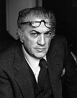 0081112 © Granger - Historical Picture ArchiveFEDERICO FELLINI (1920-1993).   Italian film director. Photographed in 1977.