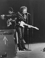 0084760 © Granger - Historical Picture ArchiveBOB DYLAN (1941- ).   Original name: Robert Zimmerman. American musician. Dylan in concert, 15 June 1965.
