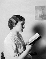 0125583 © Granger - Historical Picture ArchiveWOMAN READING, 1912.   Woman reading. Photographed by Zander and Labisch, 1912.