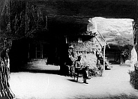 0128074 © Granger - Historical Picture ArchiveWORLD WAR I.   1.WW, Theatre of war, western front 1915 : Quarter in a rock - well protected against bombs and shelling, summer 1915.