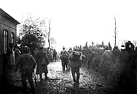 0128108 © Granger - Historical Picture ArchiveWORLD WAR I.   1.WW, Theatre of war , western front, Flanders: Ypres - front. In front of the command post of a German brigade (l) near Langemark - on the right captured French soldiers. Oct./Nov. 1914.