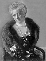 0130435 © Granger - Historical Picture ArchiveCOUNTESS BERNSTORFF.   Bernstorff, Countess of - Germany - Published by: 'Dame' 19/1916.
