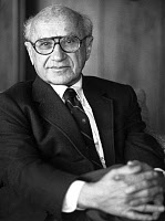 0162828 © Granger - Historical Picture ArchiveMILTON FRIEDMAN (1912-2006).   American economist and Nobel Prize winner in 1976. Photograph, 1987. Full credit: Financial Times - ullstein bild / Granger, NYC -- All rights reserv
