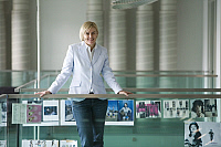 0177389 © Granger - Historical Picture ArchiveLISA FELDMANN, CHEFREDAKTORIN DER FRAUENZEITSCHRIFT ANNABELLE AM DIENSTAG IN DER REDAKTION AM SITZ DES TAMEDIA VERLAGS IN Z?RICH. FOTO: TANJA DEMARMELS/EX.   Lisa Feldmann, Chefredaktorin der Frauenzeitschrift Annabelle am Dienstag (08.07.08) in der Redaktion am Sitz des Tamedia Verlags in Z�rich. Foto: Tanja Demarmels/Ex-Press. Full credit: ullstein bild /