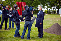 0179451 © Granger - Historical Picture ArchiveFIELMANN.   Fielmann, Guenther - Entrepreneur, Germany - Chairman and Owner Fielmann plc - giving an interview - 06.07.2009. Full credit: ullstein bild / Granger, NYC -- All rights