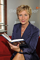 0180867 © Granger - Historical Picture ArchiveAMELIE FRIED.   Fried, Amelie - Author, Germany - Presenter of the german TV show à  Die Vorleserà - 02.07.2009