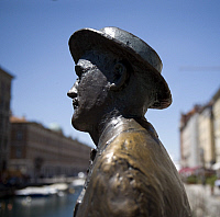 0183139 © Granger - Historical Picture ArchiveFRIULI VENEZIA GIULIA TRIESTE.   Italy Friuli Venezia Giulia Trieste - Memorial of the author James Joyce - 28.05.2009