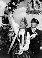 0187197 © Granger - Historical Picture ArchiveACTRESS KRISTINA SOEDERBAUM AND FRITS VAN DONGEN IN MOVIE DIE REISE NACH TILSIT.   The actress Kristina Soederbaum and Frits van Dongen in the movie Die Reise nach Tilsit (A trip to Tilsit) directed by Veit Harlan, 1939, ullstein bild ID 00144433.