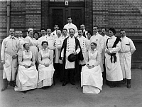 0187859 © Granger - Historical Picture ArchiveALBERT FRAENKEL.   Germany, Berlin| Albert Fraenkel (doctor, 1848-1916) and his team of the Urban hospital - 1908, ullstein bild ID 00190574.