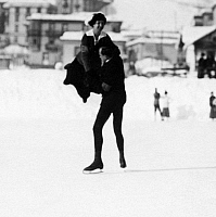 0190084 © Granger - Historical Picture ArchiveBERLIN FIGURE SKATER THEA FRENSSEN AND J.   Berlin figure skater thea frenssen and J. Vogel - 1914 Vintage property of ullstein bild, ullstein bild ID 00997411.