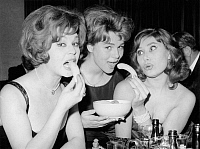 0191791 © Granger - Historical Picture ArchiveCONNY FROBOESS.   Conny Froboess, *28.10.1943- Actress, Singer, Germany with Marina Petrova (l.) and Kai Fischer (r.) at the Distler Weisswurstparty in Munich - 09.02.1961, ullstein bild ID 00978747.