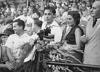0194637 © Granger - Historical Picture ArchiveFAUSTO COPPI.   Coppi, Fausto *15.09.1919-02.01.1960+ Racing cyclist, Italy with Giulia Occhini - 1950ies 01069231.