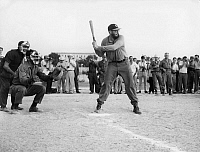 0194877 © Granger - Historical Picture ArchiveFIDEL CASTRO.   Fidel Castro - Revolutionary, Politician, Cuba *13.08.1926- - playing baseball - 1977, ullstein bild ID 00018412.