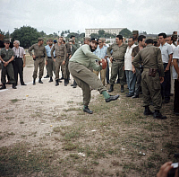 0194879 © Granger - Historical Picture ArchiveFIDEL CASTRO.   Fidel Castro - Revolutionary, Politician, Cuba *13.08.1926- - playing baseball - 1964, ullstein bild ID 00779427.