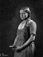 0195759 © Granger - Historical Picture ArchiveFRANZISKA KINZ.   Kinz, Franziska - Actress, Austria *21.02.1897-26.04.1980+ - as Gretchen in Faust I by Johann Wolfgang Goethe - Photographer: Atelier Binder - Published by: 'Zeitbilder' 15/1926 Vintage property of ullstein bild 01047474.