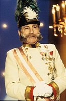 0195816 © Granger - Historical Picture ArchiveFREDDY QUINN.   Quinn, Freddy - Musician, Singer, Pop music, Austria - performing as emperor Franz-Joseph in Hamburg, Germany - 05.1995 Editorial-use-only! .