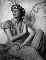 0196241 © Granger - Historical Picture ArchiveFRITTA BROD.   Brod, Fritta - Actress, Germany *10.12.1896-1988+ - in her role as 'Vasantasena', Schauspielhaus Frankfurt am Main - Photographer: Nini & Carry Hess - Published by: 'Berliner Illustrirte Zeitung' 24/1924 Vintage property of ullstein bild, ullstein bild ID 00286917.
