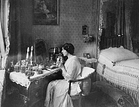 0196448 © Granger - Historical Picture ArchiveFRITZI MASSARY.   Germany| Berlin: the actress Fritzi Massary at the dressing table in her flat - 1912| taken by Waldemar Titzenthaler, ullstein bild ID 00302185.