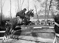0203244 © Granger - Historical Picture ArchiveKAETHE FRANKE.   Franke, Kaethe - show jumper, Germany - during the training in the Berlin Tiergarten - Photographer: Felix H. Man - Dephot - Published by: 'B.Z.' 21.05.1930 Vintage property of ullstein bild, ullstein bild ID 00255269.