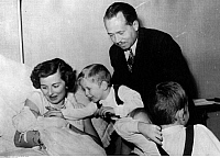 0210302 © Granger - Historical Picture ArchivePRINCE FRANCIS JOSEPH II.   Prince Francis Joseph II. of Liechtenstein and his wife Georgina after the birth of daughter Norberta Elizabeth with the prices Adam Pius, Philip Erasmus (hidden) and Nicolas. 1950, ullstein bild ID 00153166.