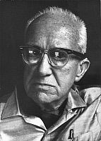 0211043 © Granger - Historical Picture ArchiveRICHARD BUCKMINSTER FULLER.   Fuller, Richard Buckminster *10.07.1895-01.07.1983+ Architect, USA Portrait - 1969 - Photo: Horst Tappe, ullstein bild ID 00302774.