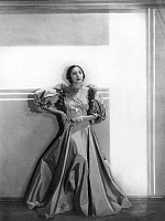 0212498 © Granger - Historical Picture ArchiveSINGER AND ACTOR FRITZI MASSARY.   Fritzi Massary, singer and actor wearing an evening gown. Picture by Gregor Harlip, 1932, ullstein bild ID 00206042.