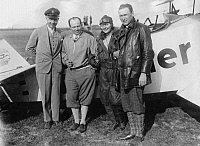 0212958 © Granger - Historical Picture ArchiveSTUNT PILOT GERHARD FIESELER.   Gerhard Fieseler, stunt pilot, planes constructor, Germany - f.l.t.r.: Fieseler, the pilot Thea Rasche, the pilot Ernst Udet and director Weichsler, day of stunt flying in Berlin Staaken, 1928, ullstein bild ID 00904754.