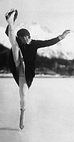 0213044 © Granger - Historical Picture ArchiveSWITZERLAND GRAUBUENDEN.   Switzerland Graubuenden : the female figure skater Hilde Rueckert on ice - Photographer: Gerhard Riebicke - Published by: 'B.Z.' 30.12.1928 Vintage property of ullstein bild 01076353.
