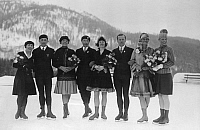 0215106 © Granger - Historical Picture ArchiveWERNER RITTBERGER   (1891-1975). German figure skater, with the German Olympic team in Pontresina, from left: Kishauer, Wiedemann, Haertel, Flebbe, Rittberger, Ellen Brockhoeft, Annemarie Dietze. Photographer: Robert Sennecke, 1928. Vintage property of ullstein bild, ullstein bild ID 0004456