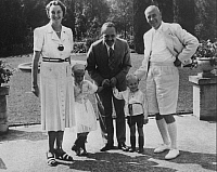 0215267 © Granger - Historical Picture ArchiveWILHELM FRICK.   Frick, Wilhelm - Politician, NSDAP, Germany *12.03.1877-16.10.1946+ the German Minister of the Interior with his family (wife and children) - 1938 Vintage property of ullstein bild 01027079.