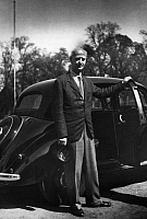 0215272 © Granger - Historical Picture ArchiveWILHELM FURTWAENGLER.   Furtwaengler, Wilhelm - Musician, Conductor, Germany *25.01.1886-30.11.1954+ - at a car - Photographer: Charlotte Willott - 1953 Vintage property of ullstein bild 01096781.