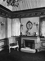 0217546 © Granger - Historical Picture ArchiveCULTURE.   German Empire - Hamburg Freie- und Hansestadt (Hamburg Free and Hanseatic city) - Interior design at a dwelling. Decorated fireside. - Photographer: - 1924 Vintage property of ullstein bild.