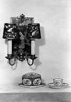 0217651 © Granger - Historical Picture ArchiveCULTURE.   German Empire: wall lamp and furnishings of porcelain - Photographer: Becker & Maass - Published by: 'Die Dame' 05/1928/29 Vintage property of ullstein bild.