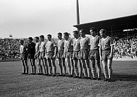 0218851 © Granger - Historical Picture ArchiveSOCCER.   Football Germany, Bundesliga, 1966/1967, Stadium at the Gruenwalder Street in Munich, TSV 1860 Munich versus MSV Duisburg 3:3, team photograph, shot of Munich f.l.t.r. Hans Kueppers, Wolfgang Fahrian, Friedel Lutz, Manfred Wagner, Rudolf Brunnenmeier, Friedhelm Konietzka, Bernd Patzke, Rudolf Zeiser, Hans Rebele, Ludwig Bruendl, Zeljko Perusic,