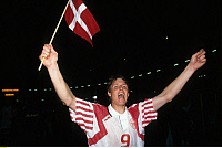 0218961 © Granger - Historical Picture ArchiveSOCCER.   UEFA European Football Championship 1992, final_tournament in Sweden, semi-final in Gothenburg, Niederlande - Denmark 6:7 (4:5 PSO, 2:2), Flemming Povlsen (DEN) cheering after the match, June 22, 1992.