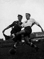 0219025 © Granger - Historical Picture ArchiveSOCCER.   Football, friendly game in Warsaw, Poland vs. Germany 1:1, scene of the match, duel between German forward Fran Elbern (l.) and a Polish defender (r.) September 13, 1936.