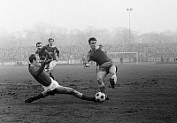 0219156 © Granger - Historical Picture ArchiveSOCCER.   Football Germany, Regionalliga West, 1967/1968, Rot-Weiss Oberhausen versus VfL Bochum 2:0, Niederrhein Stadium in Oberhausen, scene of the match, shot on goal by Werner Balte (VfL, r.), Friedhelm Dick (RWO, l.) 21.01.1968.