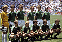 0219183 © Granger - Historical Picture ArchiveSOCCER.   1986 FIFA World Cup in Mexico Germany line-up before the final against Argentina. Front row from left: Foerster, Brehme, Allofs, Eder, Matthaeus back row from left: Schumacher, Berthold, Briegel, Rummenigge, Jakobs, Magath - - 29.06.1986.