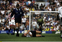 0219515 © Granger - Historical Picture ArchiveSOCCER.   UEFA European Football Championship 1996 in England, quarter-final in Manchester: Fed. Rep. of Germany vs. Croatia 2:1, scene of the match, Steffen Freund (GER) injured, referee Leif Sundell (SWE), June 23, 1996.
